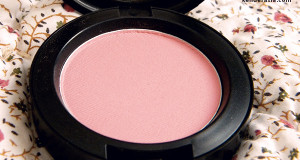 MAC Lovecloud blush – Tres Cheek collection