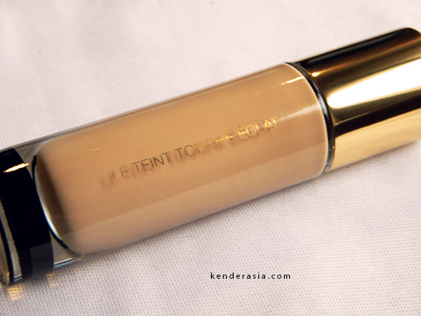 Touche Eclat Foundation by YSL